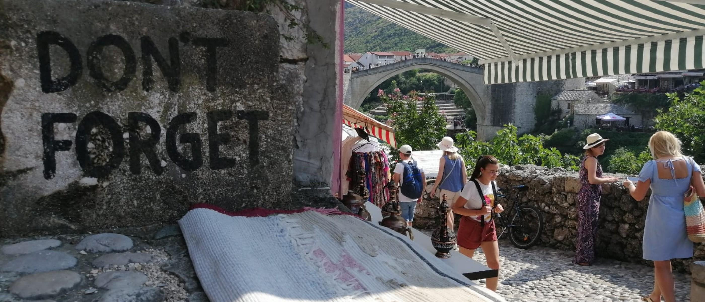 Come Abbattere Un Muro i balcani dopo l'89, quando i ponti divennero muri